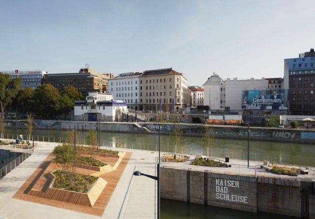 Klar Schiff: die schwimmenden Gärten von Carla Lo Landschaftsarchitektur am Wiener Donaukanal, ein neuer Freiraum für die Stadt Wien.